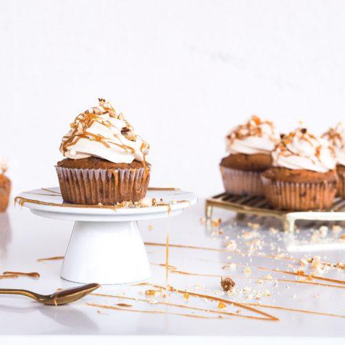Cupcakes s lískovými oříšky a slaným karamelem