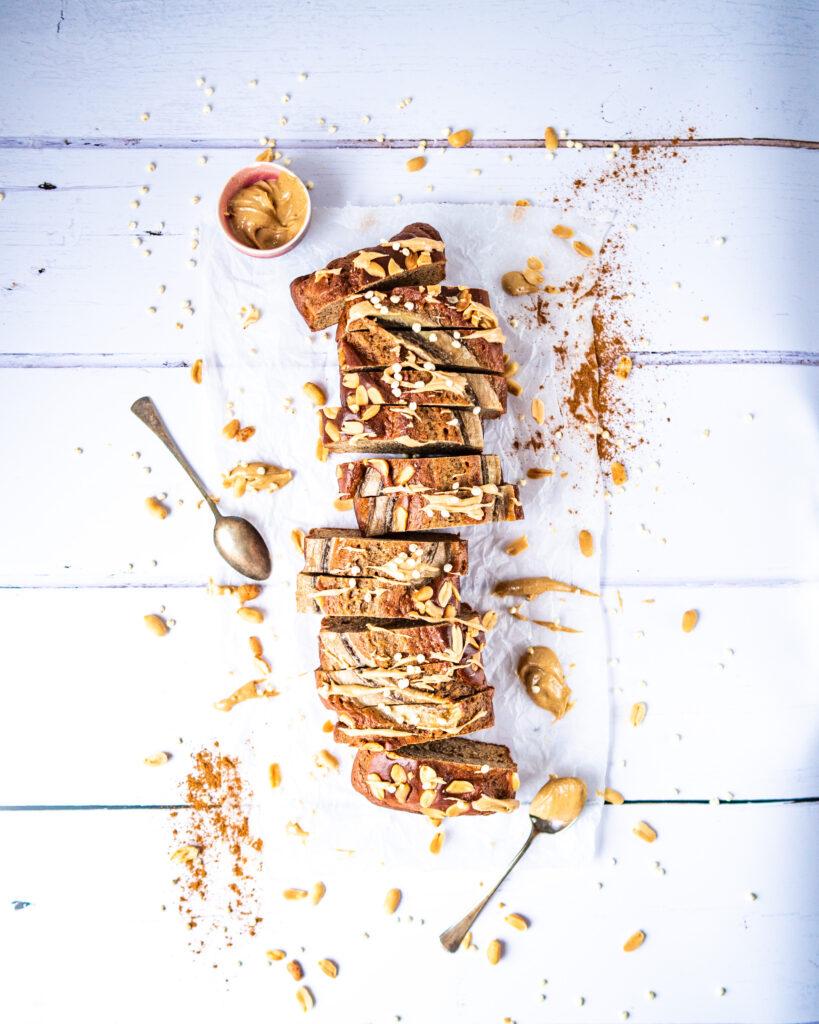 Banánový chlebíček s arašídovým máslem